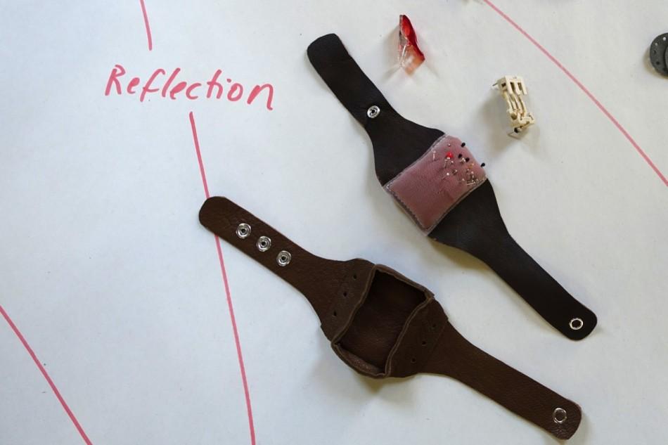 wrist worn accessoires